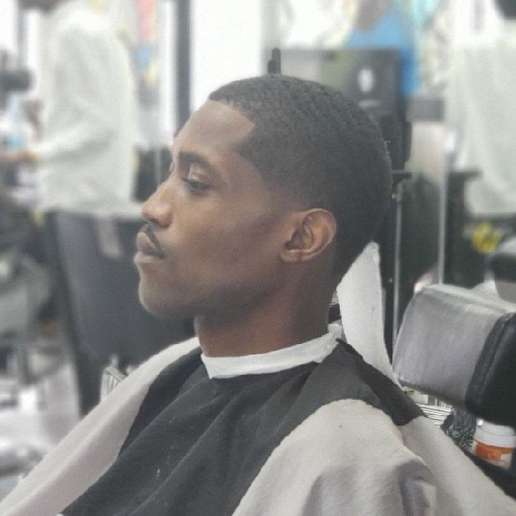 Men's Taper fade hair cut by @pennythelastking