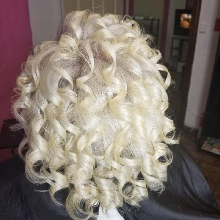 Natural silkening and curls