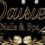 Daisie nails