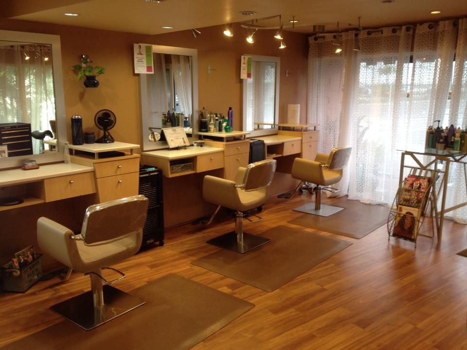 Jacqueline's Salon  and  Day Spa