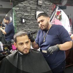 Wesley Martinez - Royal Cuts & Styles Men's Hair Studio