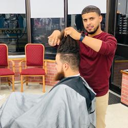 Yomelki Morel - Family Barber Shop