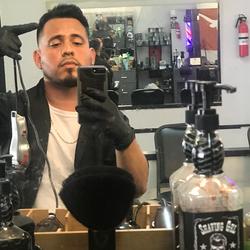 Johnny the barber - Razorkingz barbershop